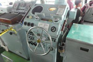 護衛艦ちくまの操舵輪