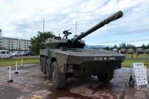 展示される16式機動戦闘車