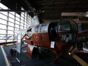 東北電力のシコルスキー式ヘリコプター