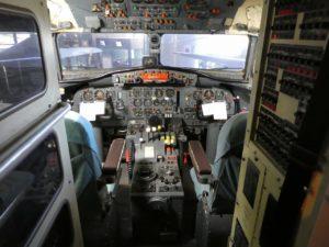 YS-11のコックピット