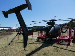 ヘリコプターOH-6Dの後方
