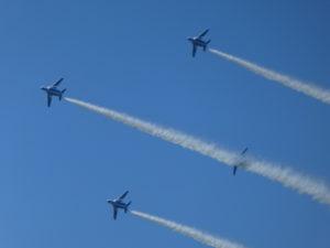 ブルーインパルスの4機編隊