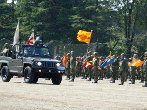 駐屯地創立記念行事の部隊整列